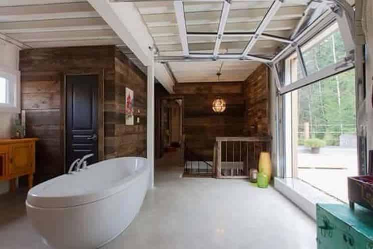 bath-window