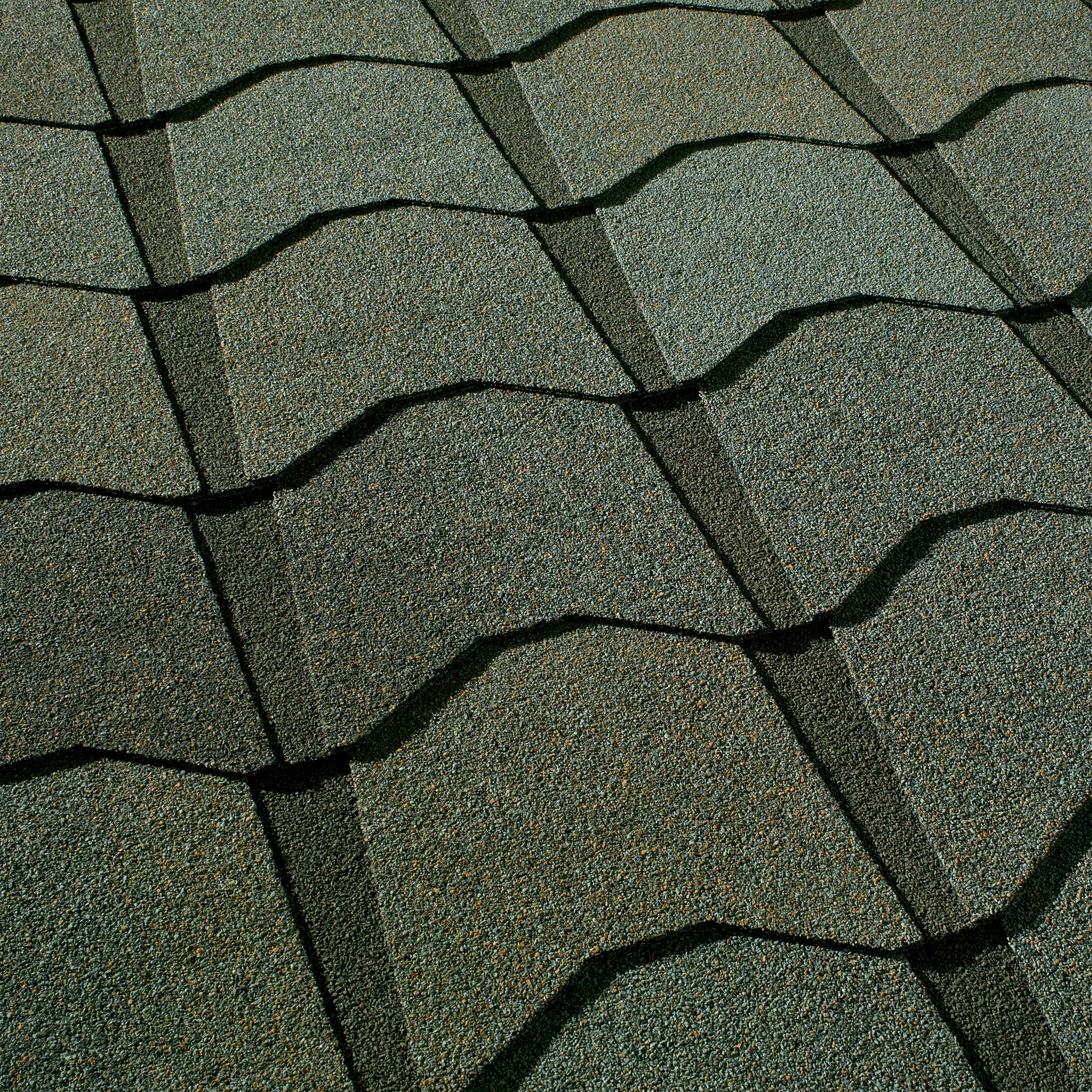 Close up photo of GAF's Monaco Castillian Surf shingle swatch