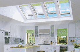 Electrically operated venting skylight FVE
